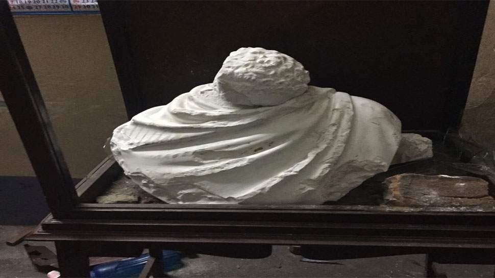 Vidyasagar statue