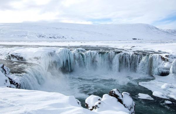 godafoss-north-iceland-winter