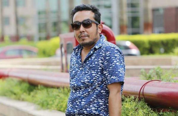 Tales-on-Tweet-writer-Manoj-Pandey