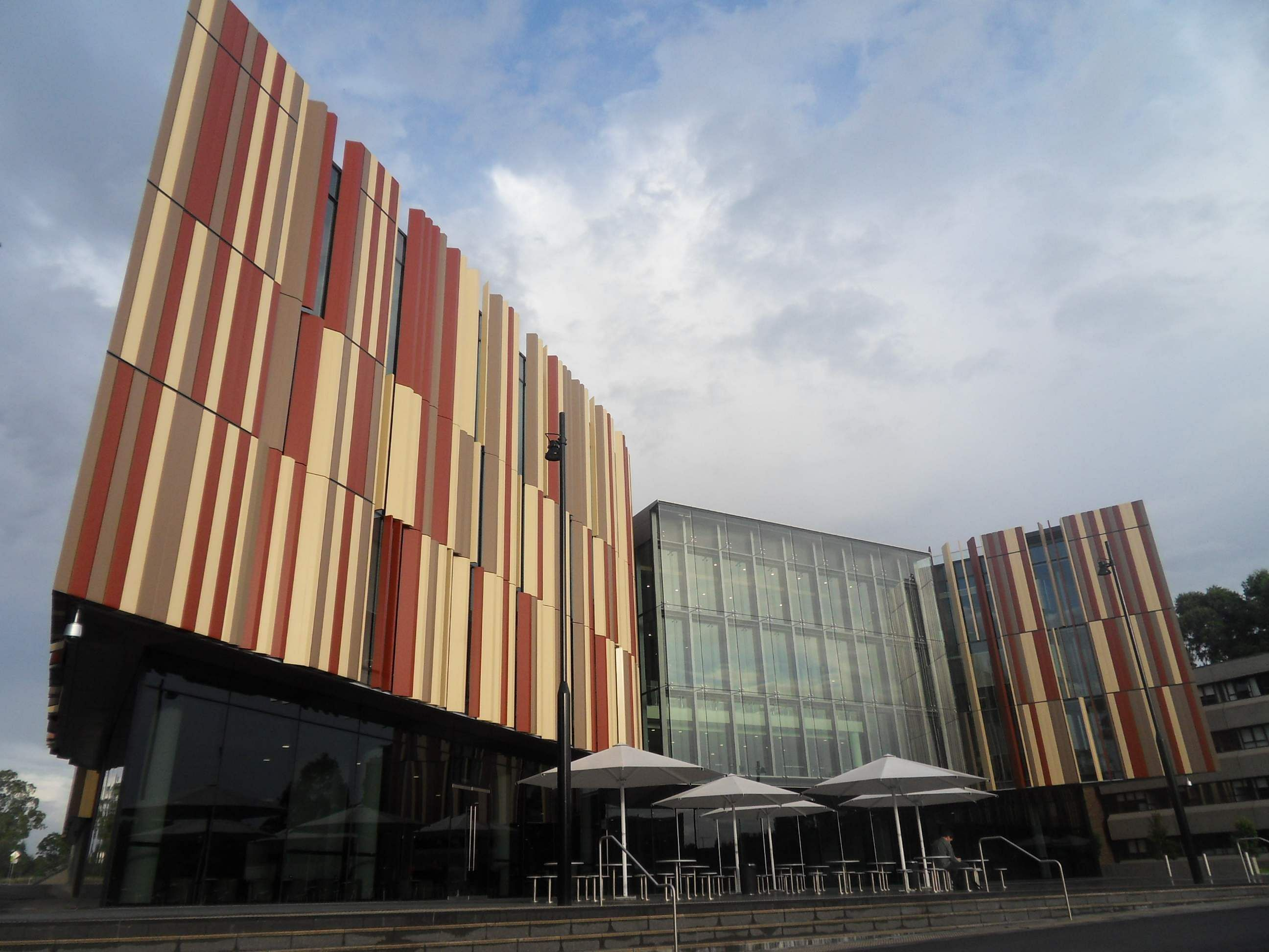 Macquarie_University_New_Library_2011