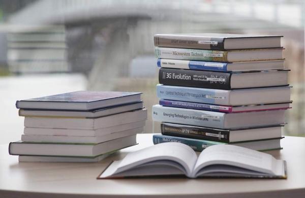 book-168824_960_720