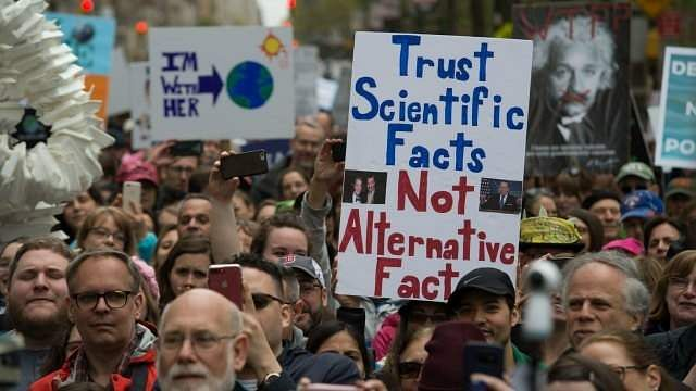 568198-march-for-science-new-york-earth-day-afp