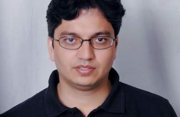 Avinash_Tiwari,_pCloudy1