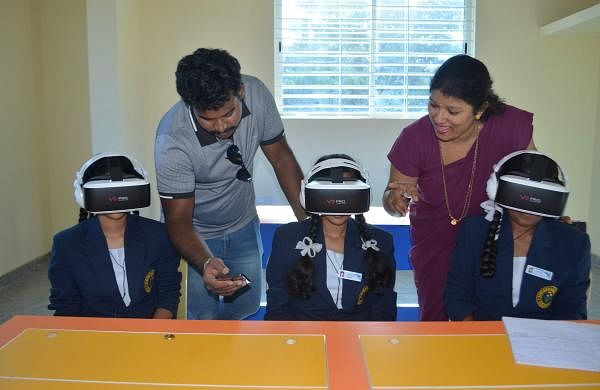 Virtual Reality in classrooms for learning disabilities
