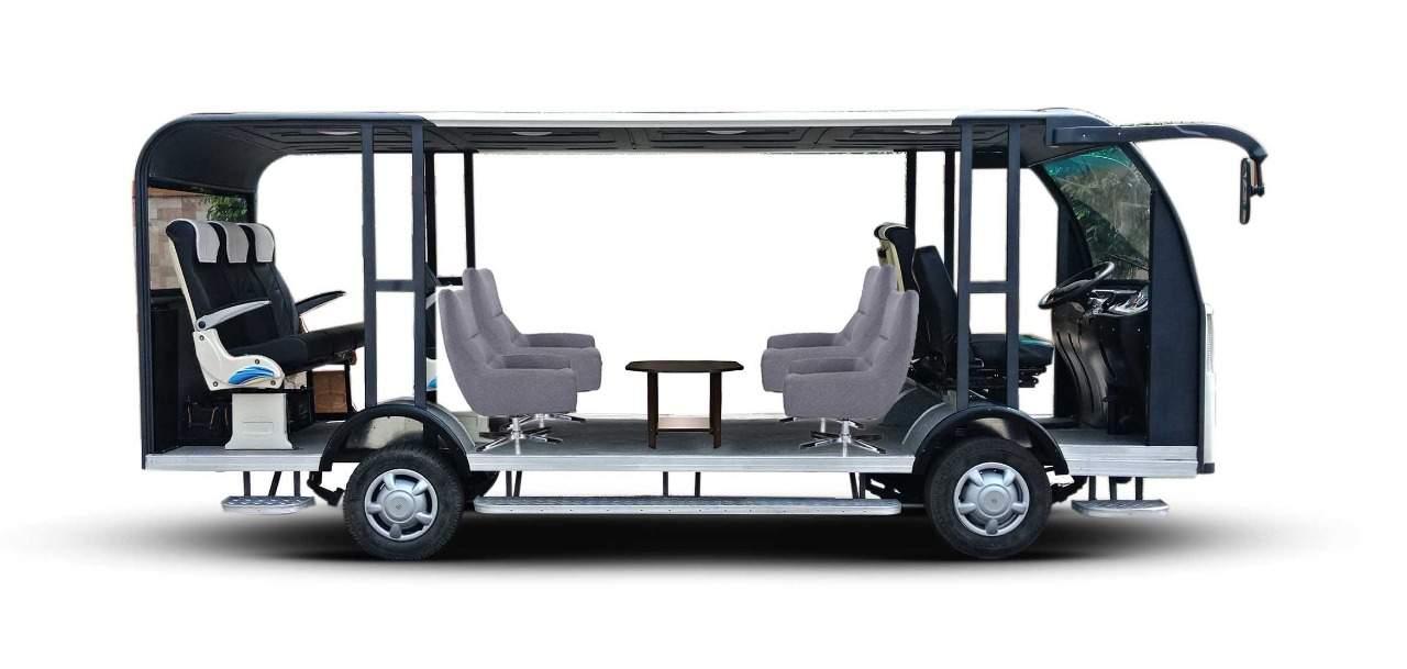Driverless solar bus by LPU Punjab