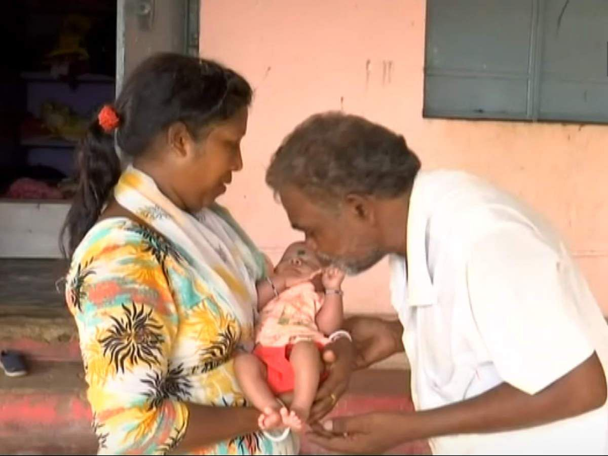 odisha-poor-couple-runs-orphanage-with-funds-donations-in-kalahandi