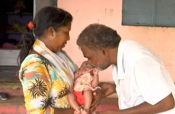 odisha-poor-couple-runs-orphanage-with-funds-donations-in-kalahandi