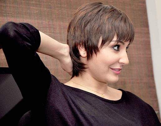 What S It Like To Be Young Girl With Short Choppy Hair In India