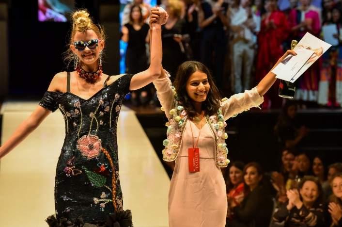 Shreya_Jain,_National_Institute_of_Fashion_Technology_(NIFT),_Mumbai,_winner_of_the_prestigious_People's_Choice_award_at_the_iD_International_Emerging_Designer_Awards
