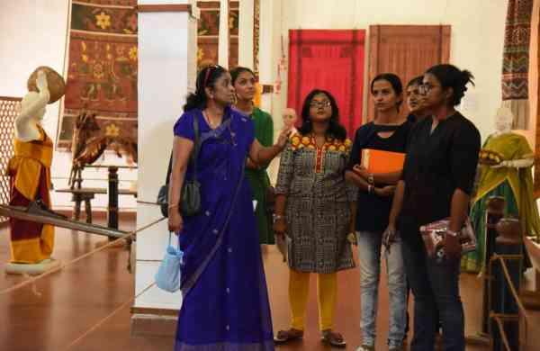Guided_tour_by_Geetha_Vasudevan