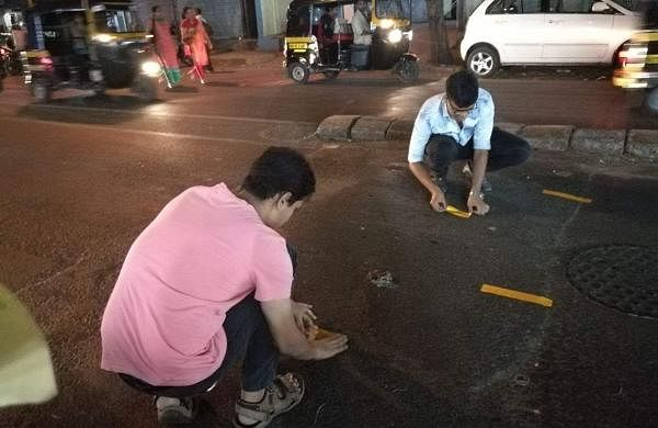 There's a group of youngsters that have taken the responsibility of making the roads in the city of Mumbai safer for its residents