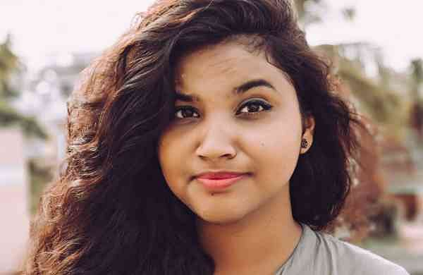 Banaja Prakashini, a student of SCS (Autonomous) College, Puri reviews books and earns her pocket money