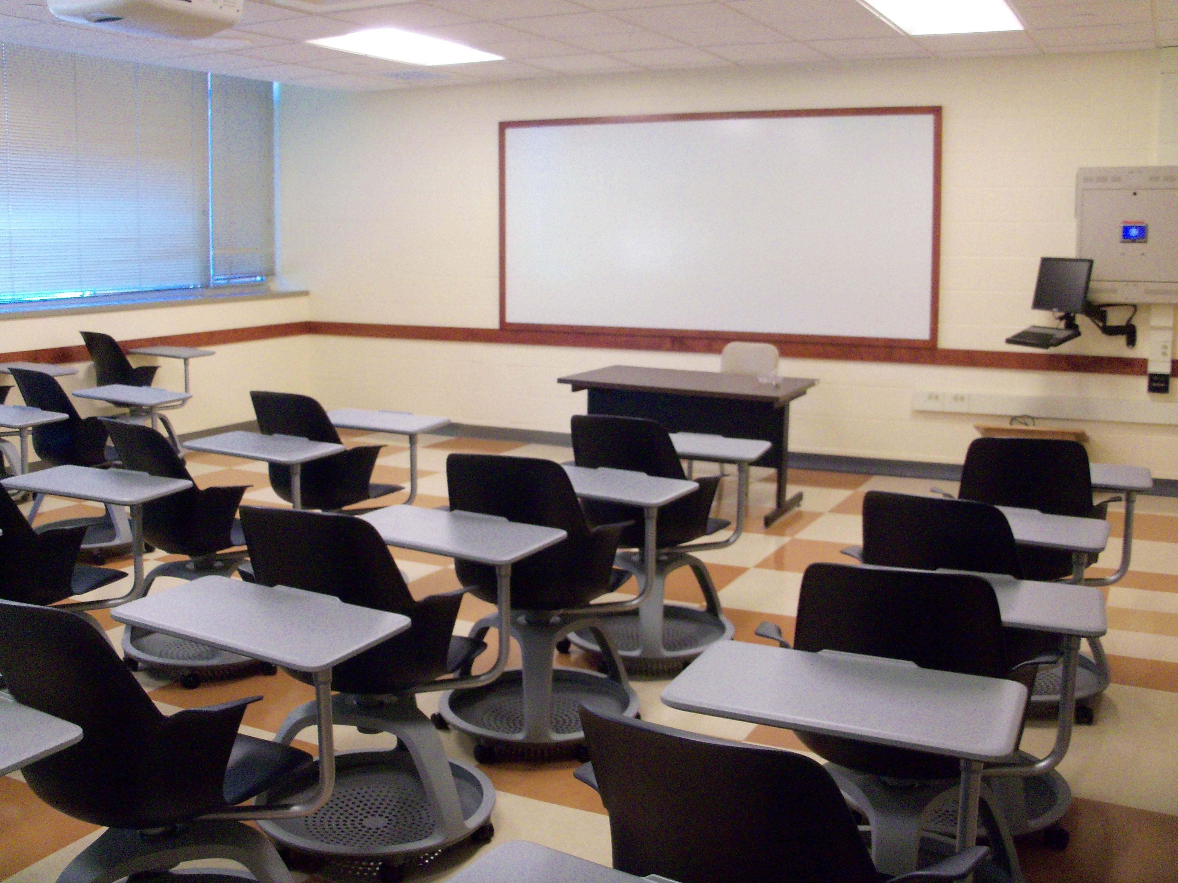 classroom_hitech
