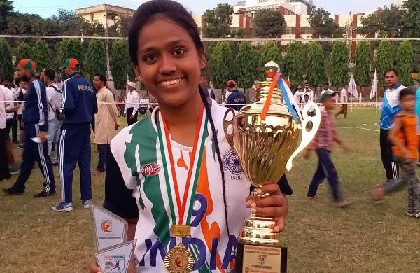 In 2013, the Sri Lanka Throwball Federation also named Sabiya as the best throwball player for her best performance in the Indo-Thailand tournament
