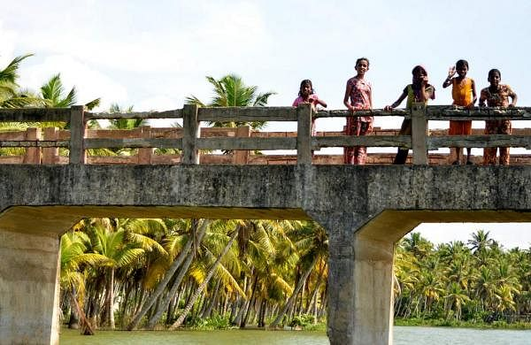 Students from Chhattisgarh crossing rivers
