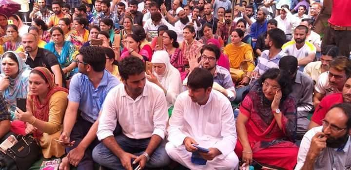 Teachers protest in Kashmir