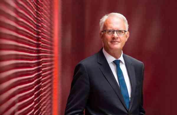 Professor_Stuart_McCutcheon_-_Vice_Chancellor,_UoA