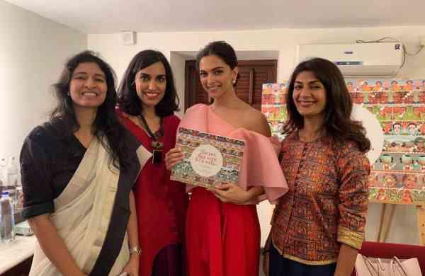 Sarada_Akkinemi,_Lakshmi_Nambira,_Deepika_Padukone_and_Reema_Gupta