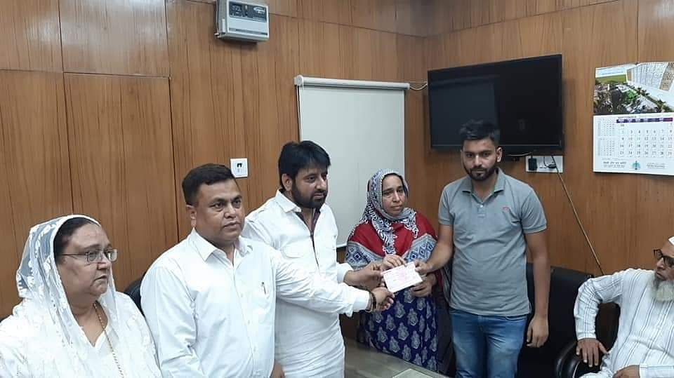 Haseeb and Ammi with Amanatullah Khan