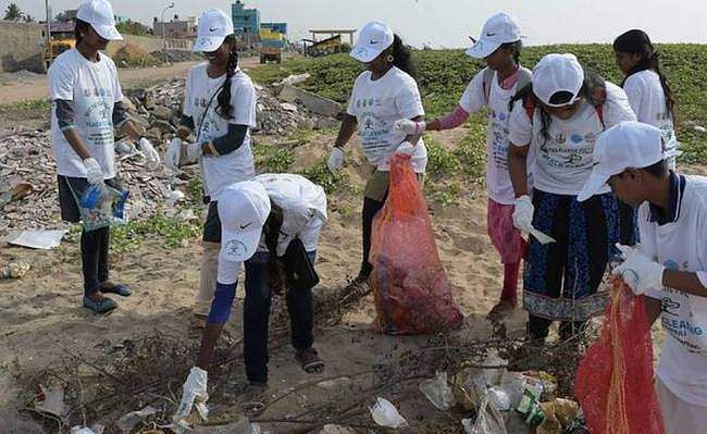 Beach-clean-up-sessions