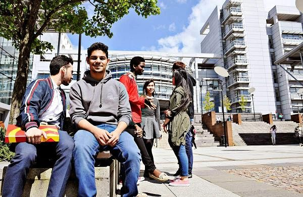 INTO-GCU-students-on-bench