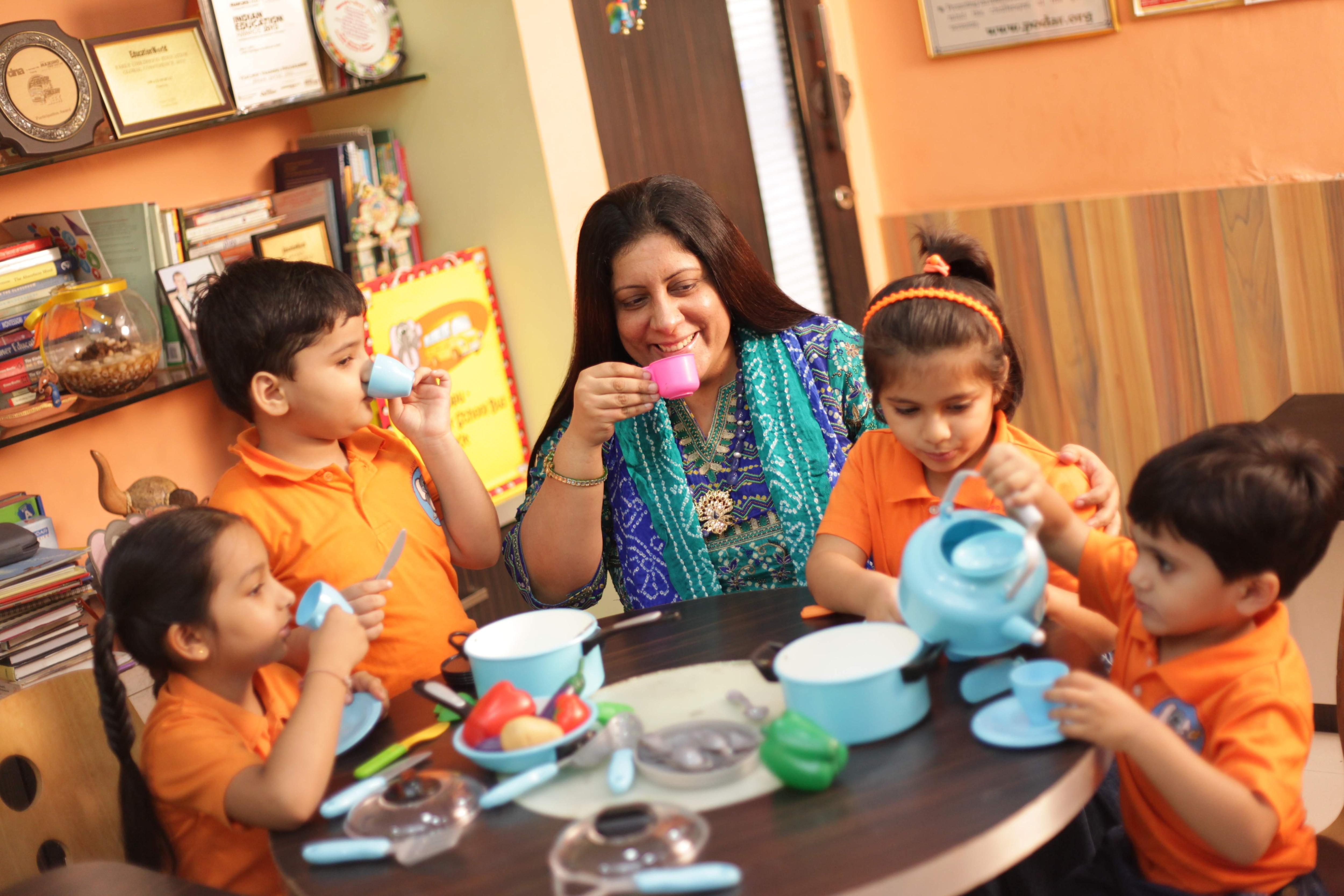 swati_popat_vats_with_pjk_kids