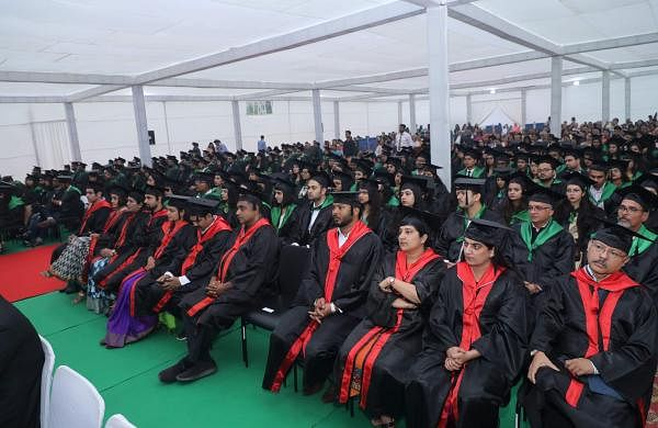 Students_at_Convocation_Ceremony_TERI_SAS