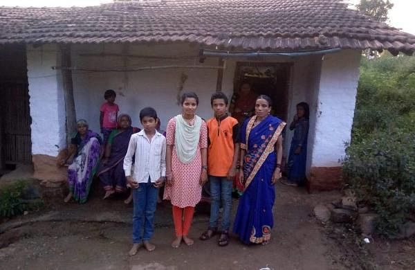 Bheemakka Chavhan along with her mother and siblings at home (Pic: Bheemakka Chavhan)