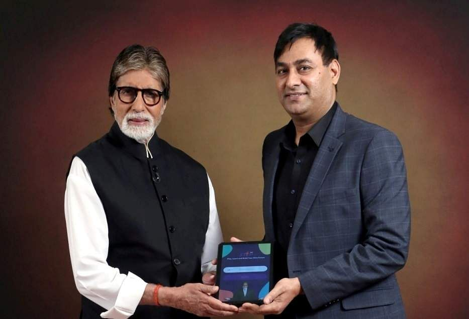 Mr_Amitabh_Bachchan_and_Mr_Praveen_Tyagi_of_STEPapp_(1)