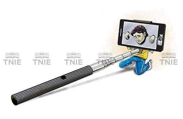 Selfie-Obsession-Express-Illustrations