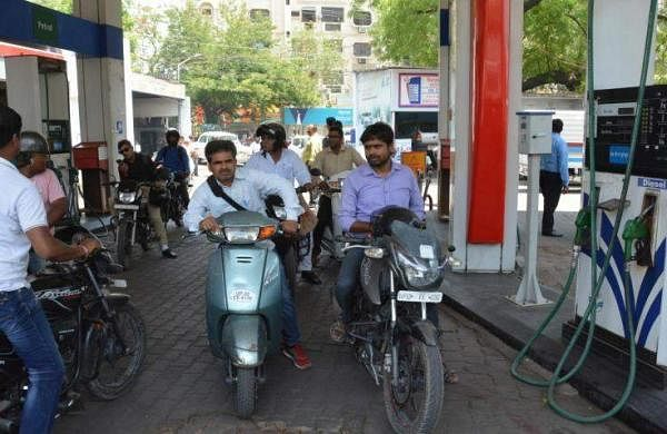 23877-petrolpump-bikes-ians