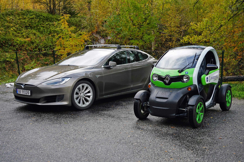 Electric_cars_Flydalsjuvet_Geirangerfjord_10_2018_3154