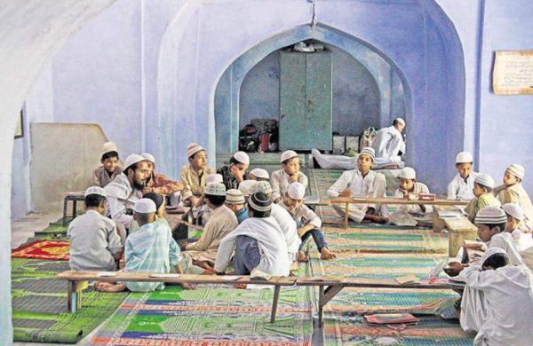 hintustan-wednesday-teacher-september-september-madrasa-students_1d6a0592-1574-11e7-a5d6-c47fceabb9c0
