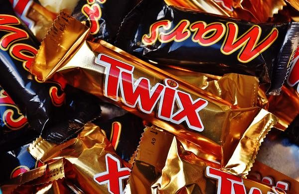 sweet-food-drink-chocolate-dessert-caramel-delicious-sugar-mars-sweetness-treat-confectionery-candy-bar-twix-chocolate-bar-794479