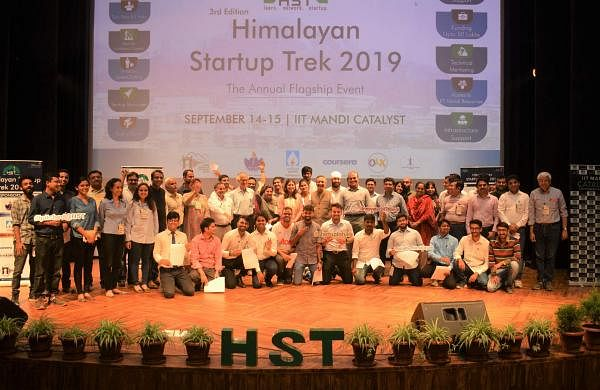 Speakers_and_Participants_attending_the_HST_2019_at_IIT_Mandi