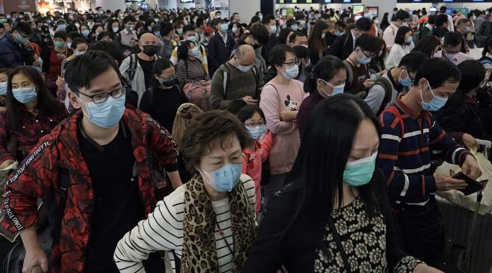 passengers-wear-protective-face-masks_44f9cfb0-3e44-11ea-bfbd-f812f33ac46f