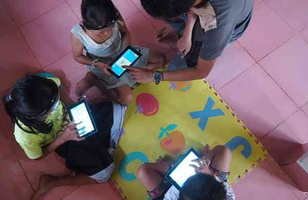Digital_learning_in_Aays_Village