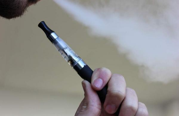 e-cigarette-1301664_960_720