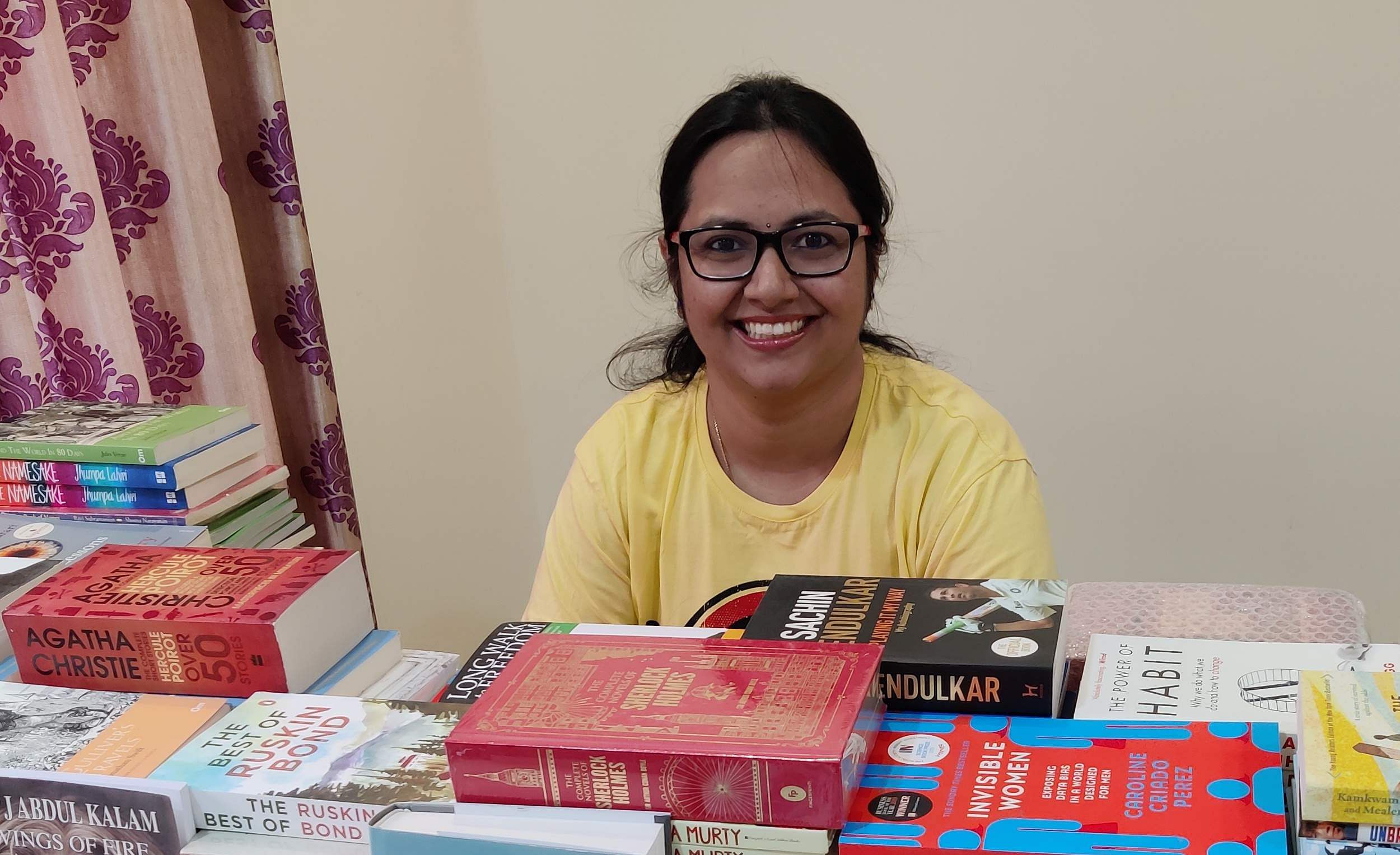 Srichandana_with_books
