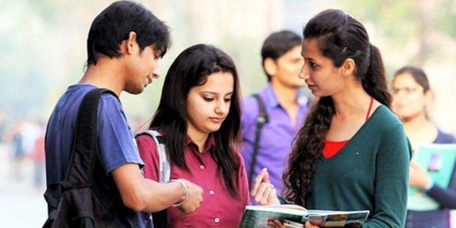 Indian_students_PTI_(1)