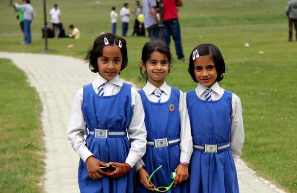 Kashmir_school_kids
