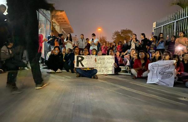 DU Women Protest