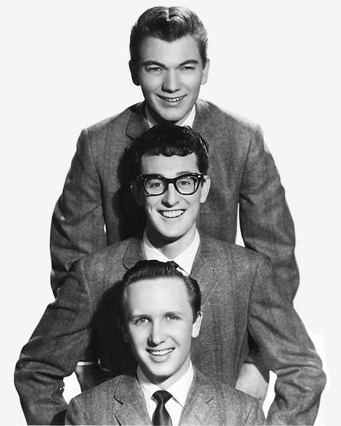 Buddy_Holly__The_Crickets_publicity_portrait