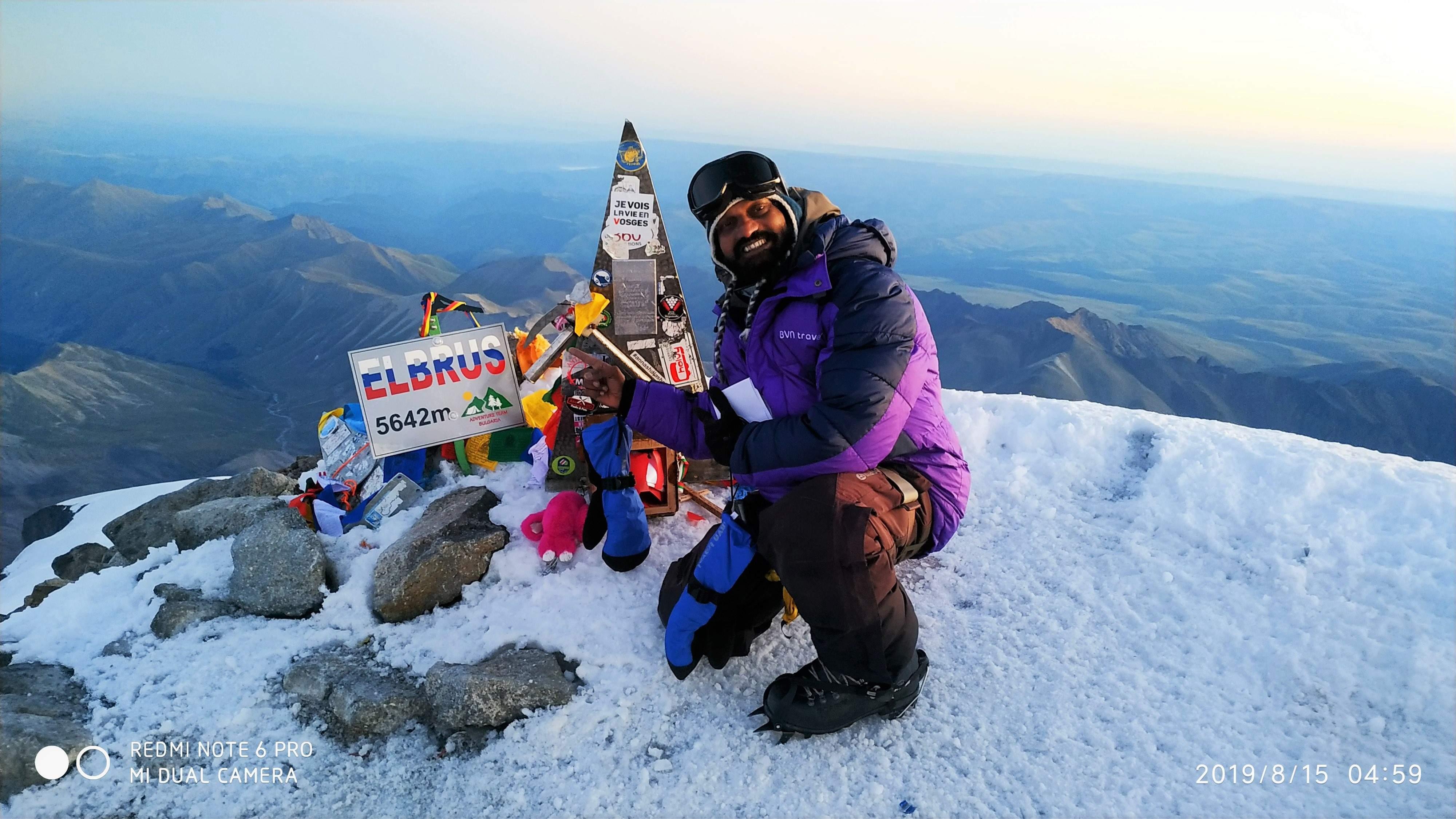 Mount_Elbrus_Summit_picture