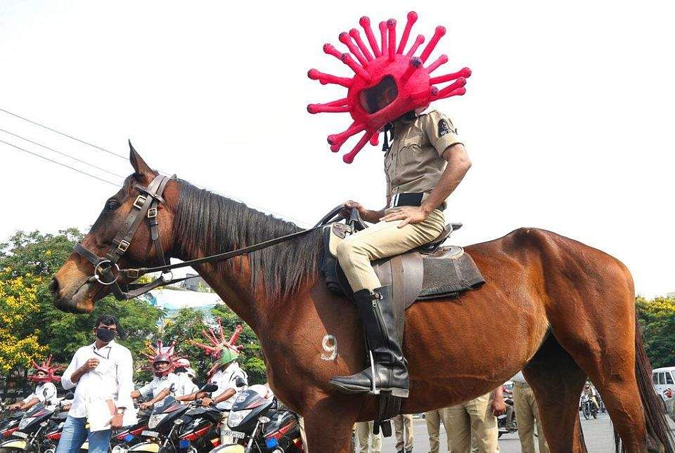 corona_helmet