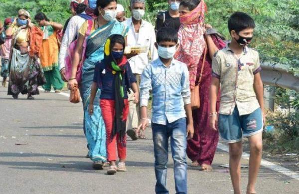 Solapur_migrants-_PTI_1
