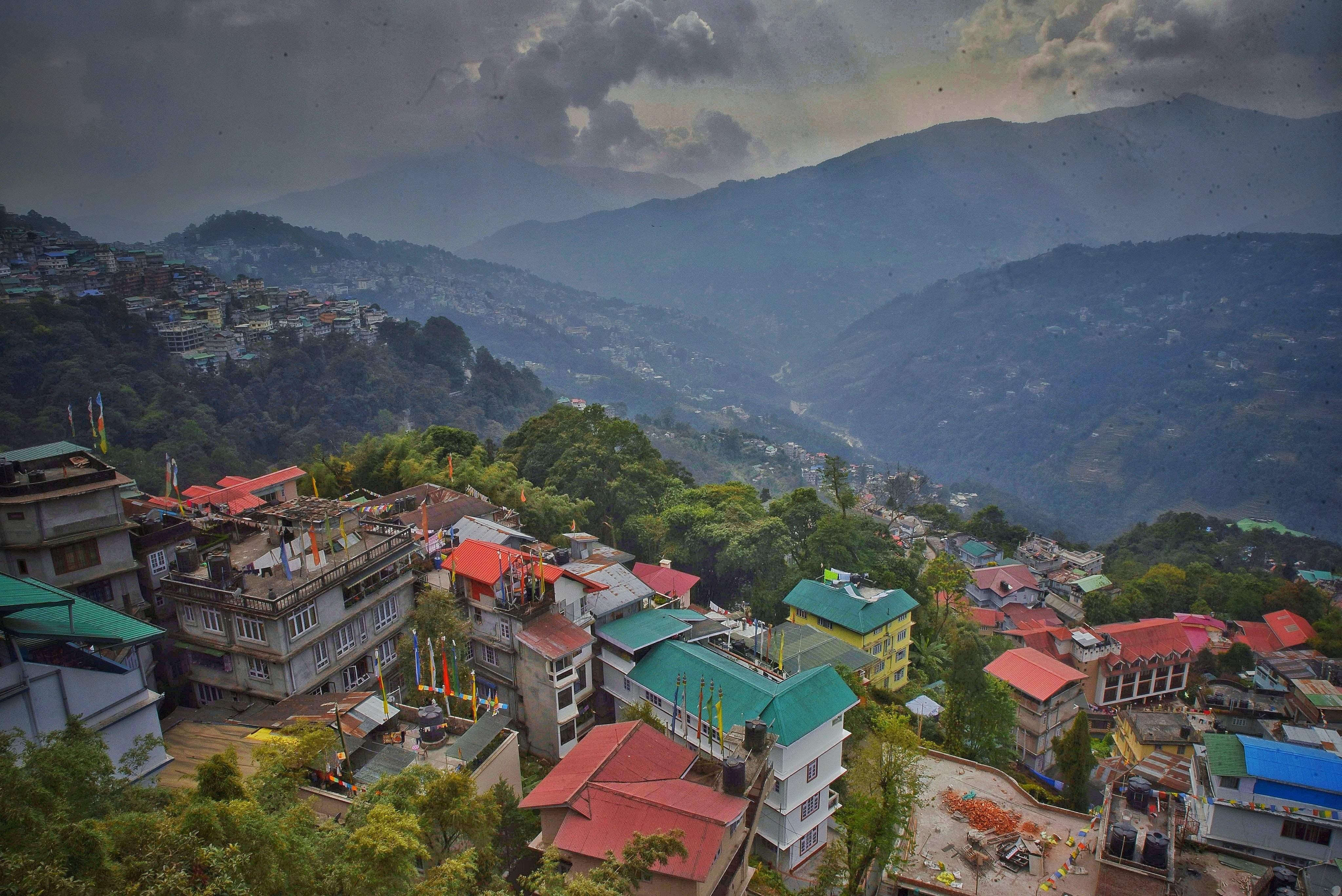 india-sikkim-gangtok-3627248_(1)