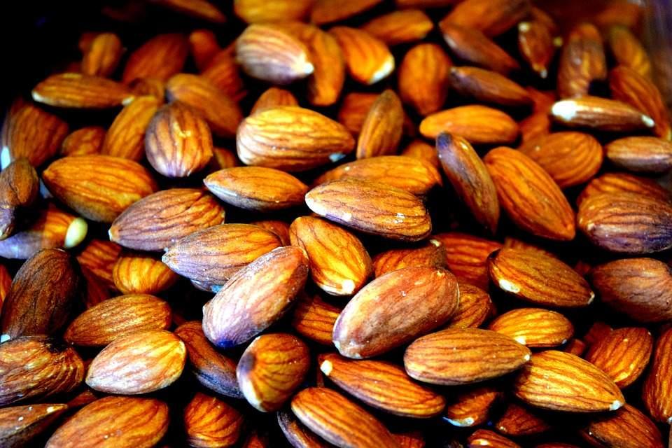 almonds-2291537_960_720