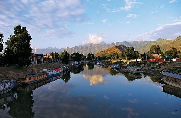 Jhelum-River-Srinagar-India-Jammu-and-Kashmir