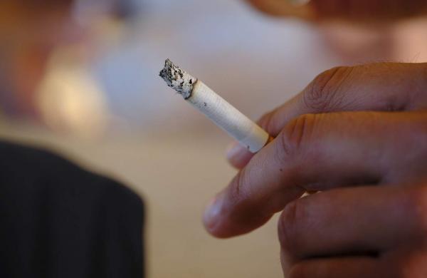 smoking-3495389_1280